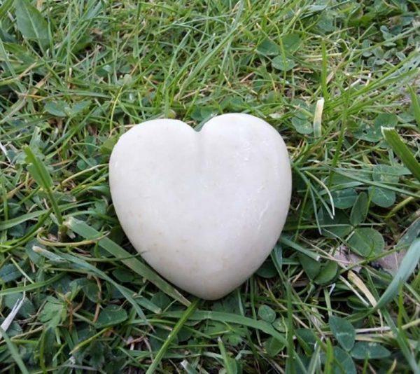 Savon lavande au lait de jument en forme de coeur